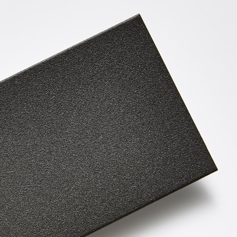 Černá - strukturální